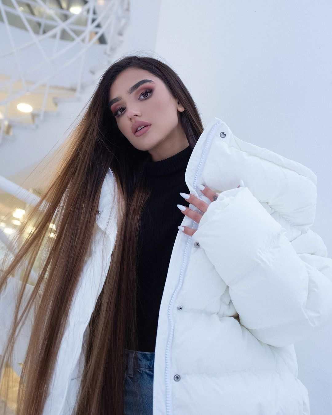 Dina Saeva Biography & Wiki