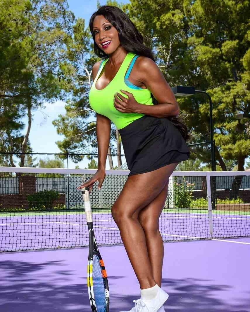 Diamond Jackson Bio, Wiki, Age, Net Worth, Figure, Height & Family