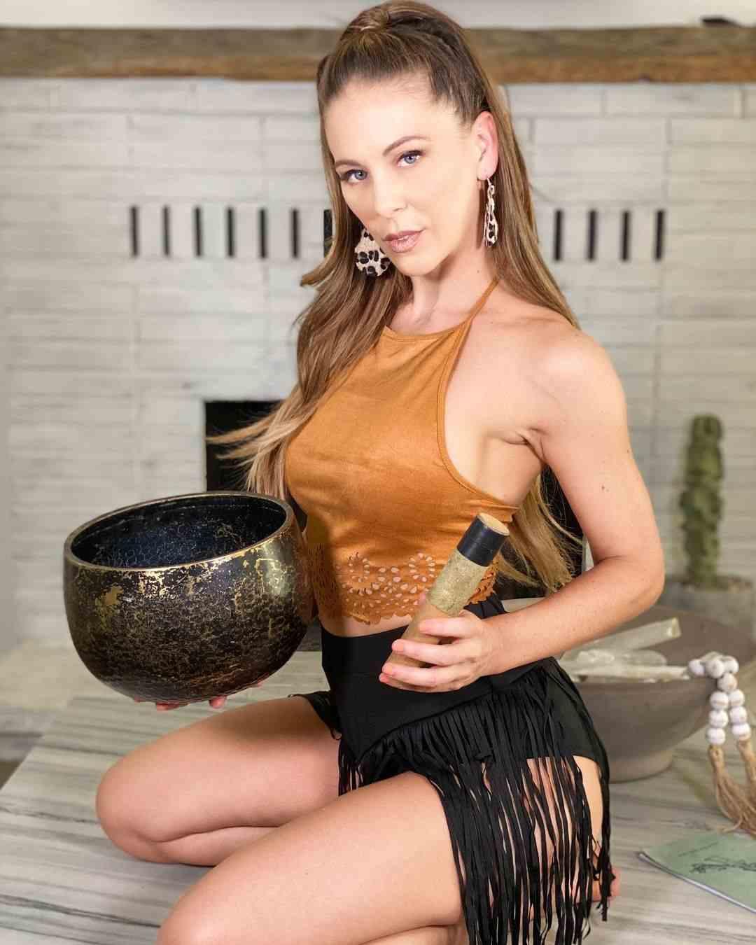 Cherie Deville Images