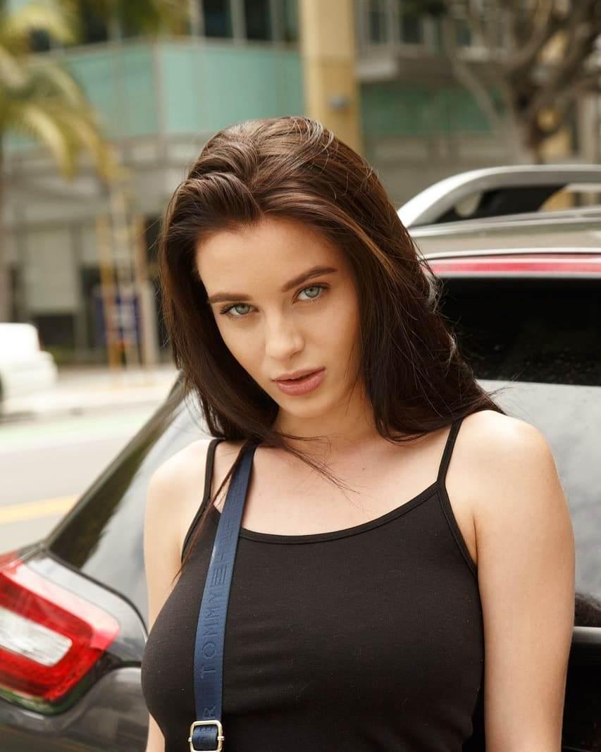 Lana Rhoades Bio, Wiki, Age, Net Worth, Figure, Height