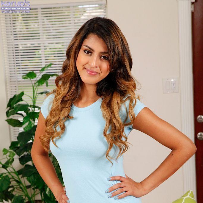 Sophia Leone Bio, Wiki, Age, Net Worth, Figure, Height, Pics